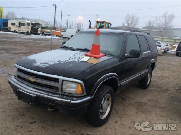Row52 1996 Chevrolet Blazer At Pick N Pull Calgary Barlow Trail