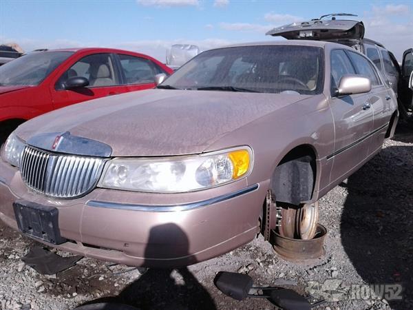 Row52 1998 Lincoln Town Car At Pull N Save Salt Lake City