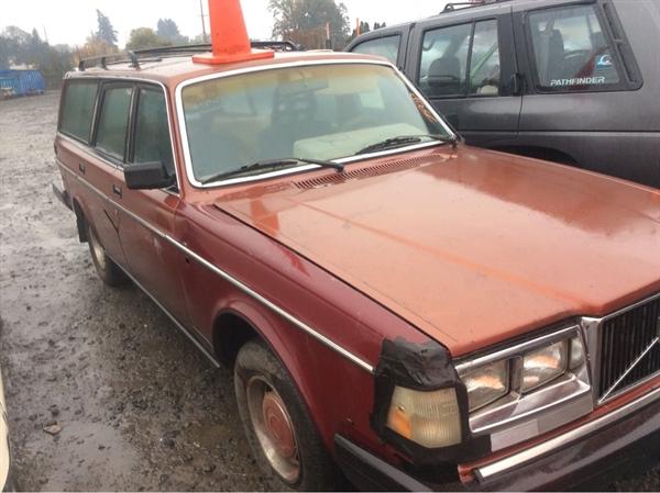 Row52 | 1985 Volvo 240 Wagon at PICK-n-PULL Sherwood