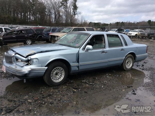 Row52 1997 Lincoln Town Car At Pick N Pull Little Rock