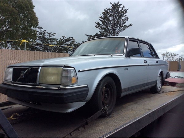 Row52 | 1986 Volvo 240 at PICK-n-PULL Moss Landing