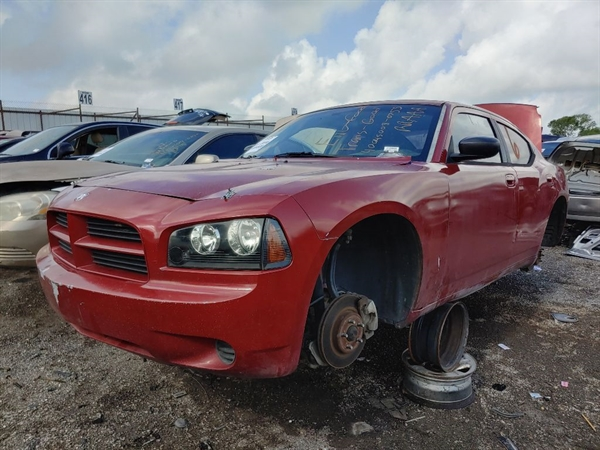 Row52   2007 Dodge Charger at Wrench-a-Part San Antonio