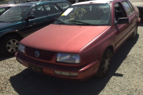 row52 1997 volkswagen jetta at pick n pull stockton 3vwsb81h8vm013084 row52