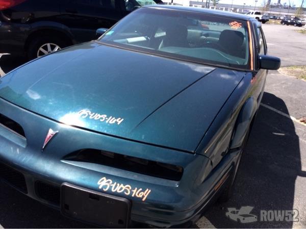 row52 1995 pontiac grand prix at pick n pull johnston 1g2wj12m0sf339696 row52